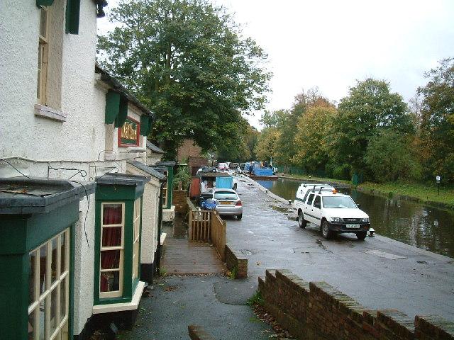 Malt Shovel pub next to canal