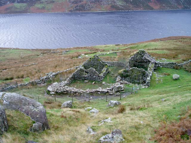 Ruined house by Llyn Cowlyd Reservoir