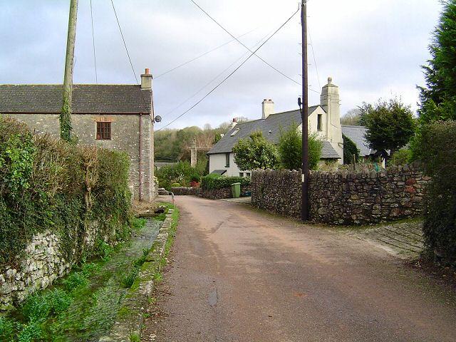 Torbryan high street - South Devon