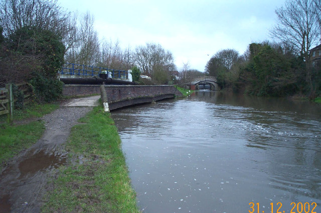 Grand Union Canal: at Springwell, near Rickmansworth