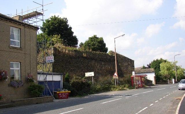 The big wall, Upper Edge, Elland