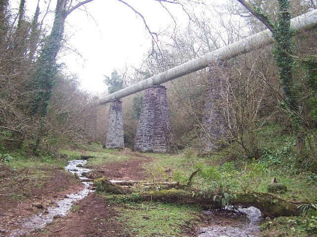 Overhead Pipe in Harptree Combe