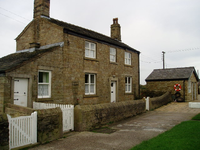 Lock keeper's cottage Johnson Hillock