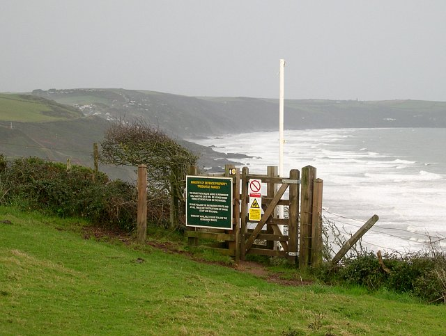 Entrance to the path by Tregantle Fort