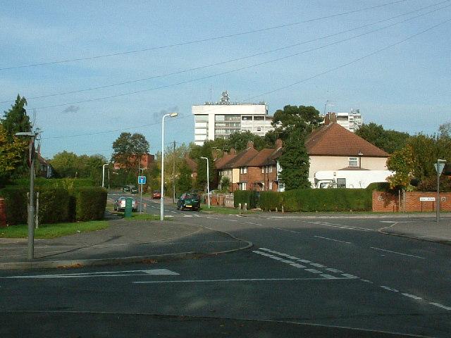 Apple Tree Avenue/Violet Avenue junction