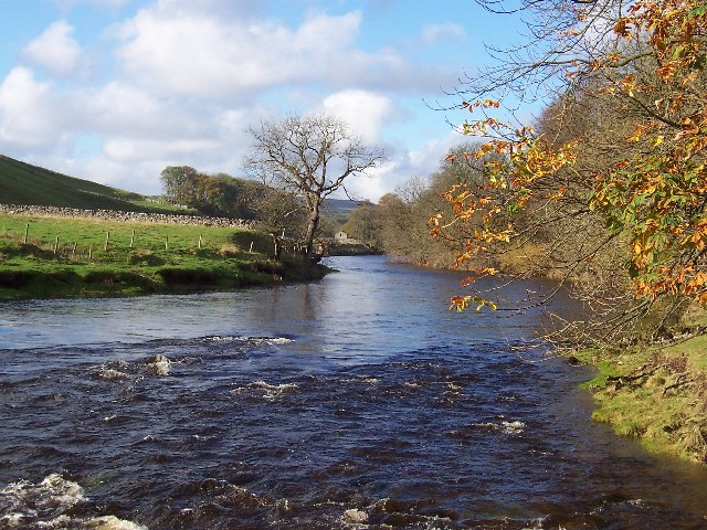 River Wharfe between Grassington and Burnsall