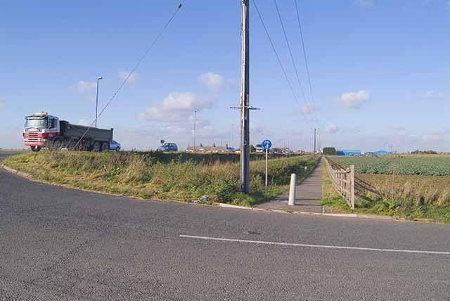 Footpath alongside A17, looking NNW