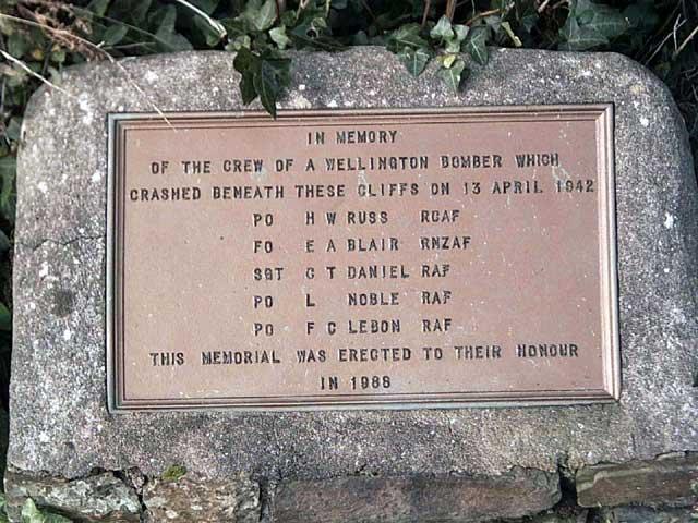 War Memorial, Beckland Cliff