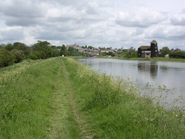 north to Arundel from the banks of the River Arun at high tide