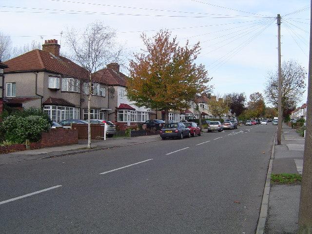 Wealdstone: Kenmore Avenue