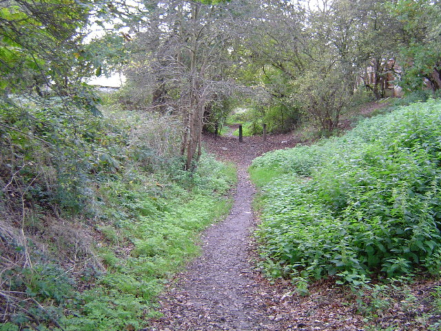 Harrow: Trackbed of the dismantled railway, Belmont
