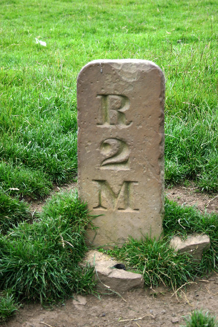 Milestone Between Baybridge & Riddlehamhope