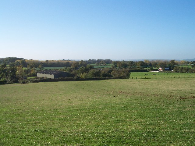Farmland and Buildings near Martin Hussingtree