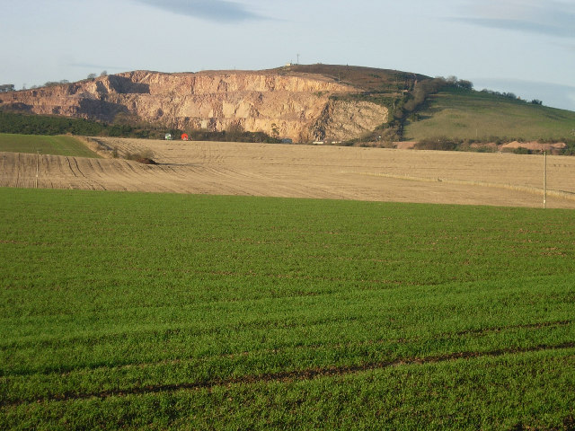 Balmullo quarry from the A92 south of Balmullo