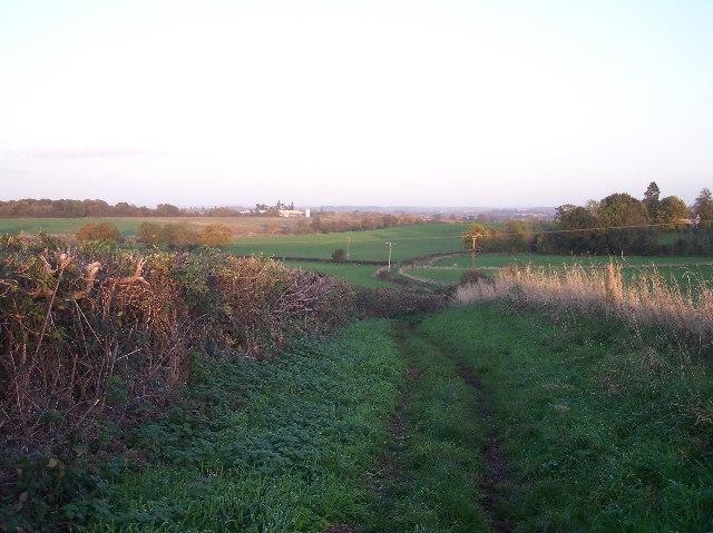 Footpath to Oldbury Grange