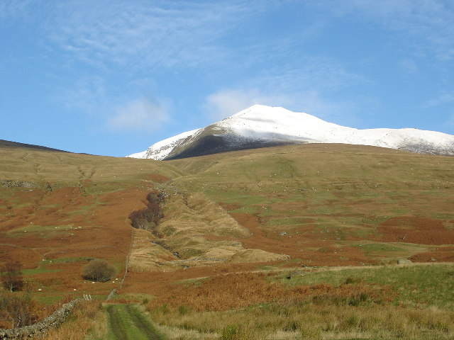 Track leading from A827 towards Ben Lawers