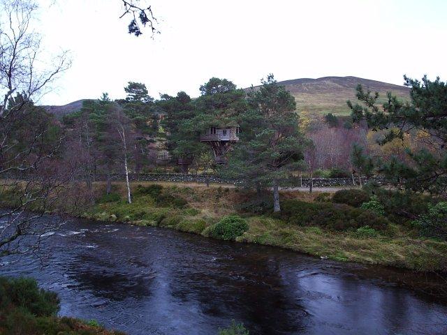 A Tree House at Glen Calvie Lodge