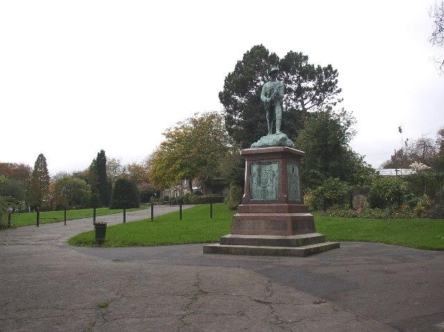Crow Nest Park with Boer War Memorial