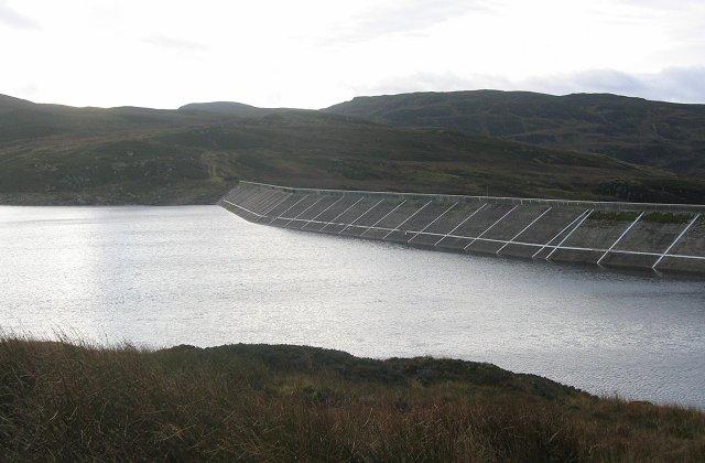 Breaclaich Dam: Business end.