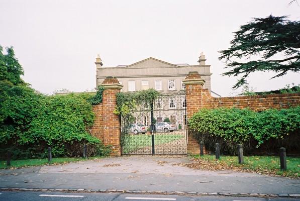 Cruchfield Manor, Hawthorn Hill