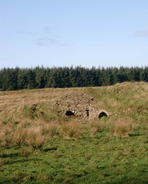Old limekilns near Fore Hairshaw