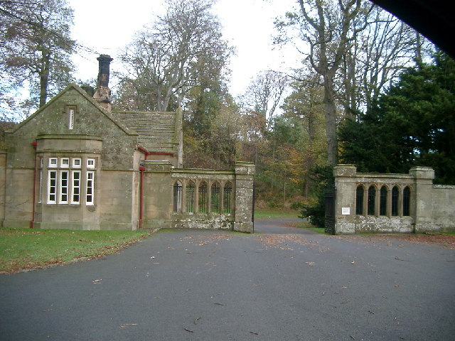 Gates and gate house, Lilburn Tower