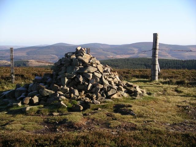 Summit Cairn, Kirkhope Law