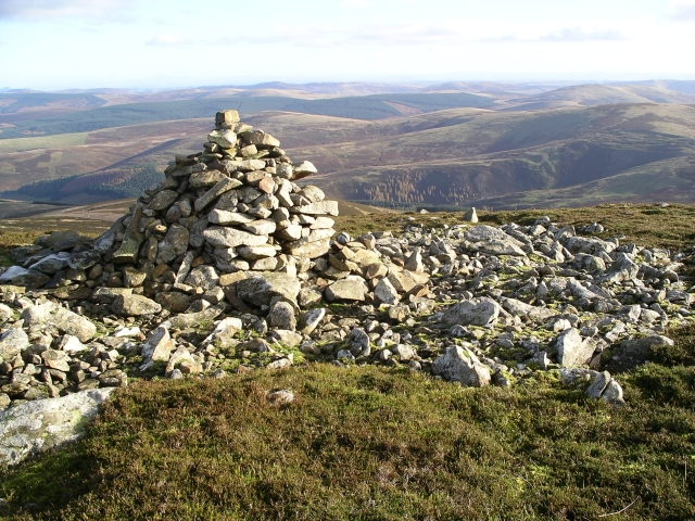 Cairn and boulder field, Stake Law