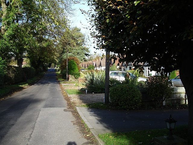 Bungalows in Caring Lane