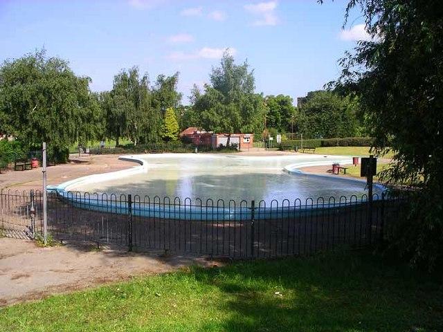 children's paddling pool, chaddesden park