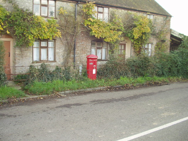 Victorian Post Box at Holwell