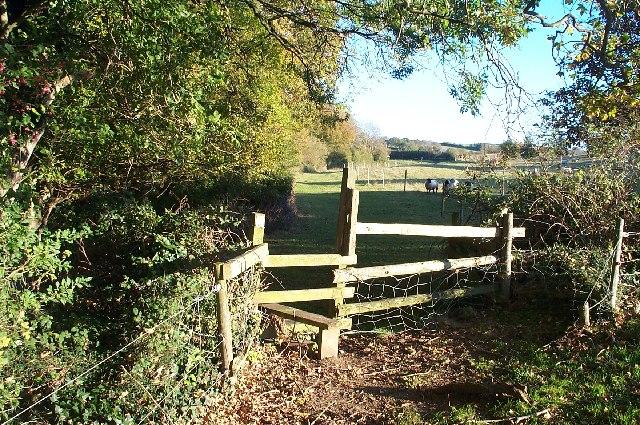 Footpath to Lower Hill Farm.