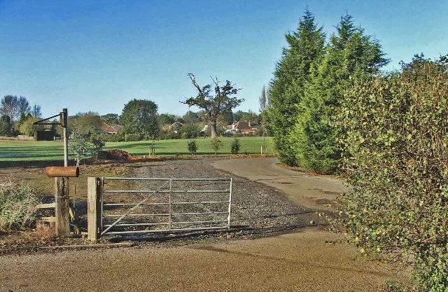 Entrance to Brook Farm, Cuffley Hill