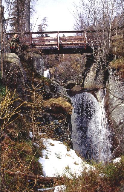 Bachnagairn linn and footbridge.