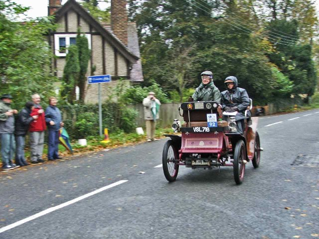 1901 De Dion Bouton passing through Staplefield during the 2005 London to Brighton Veteran Car Run