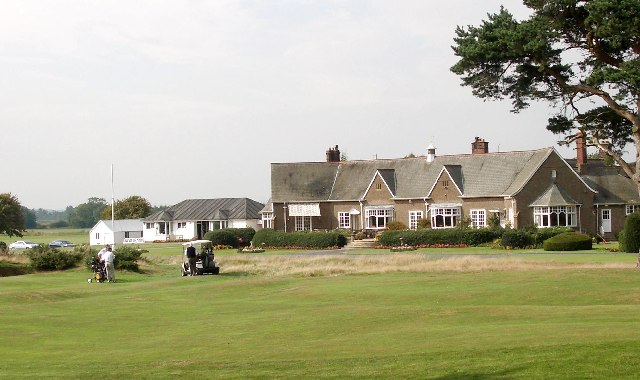 Clubhouse and 18th green at Ganton Golf Club