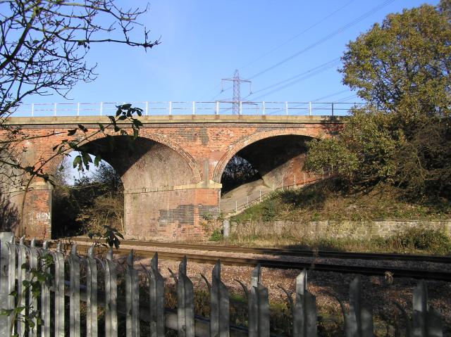 Railway crossing, Woodhouse Mill