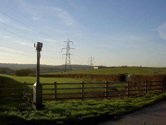 Power lines and farming country near Higher Blackpool Farm