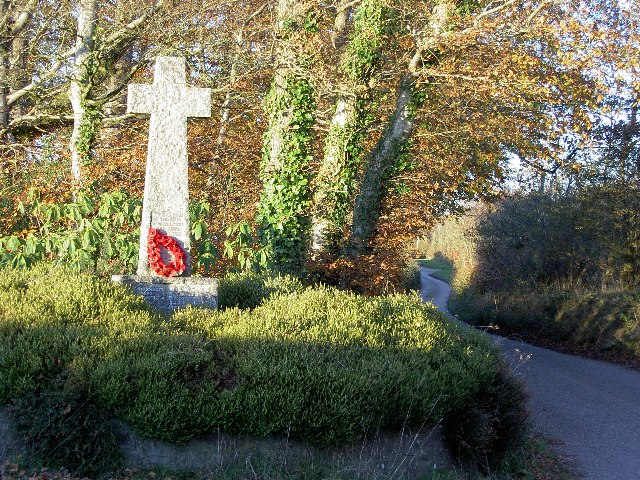 Roadside war memorial near Warkleigh