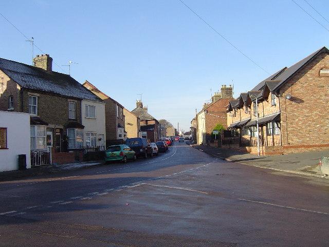 Main Street, Farcet