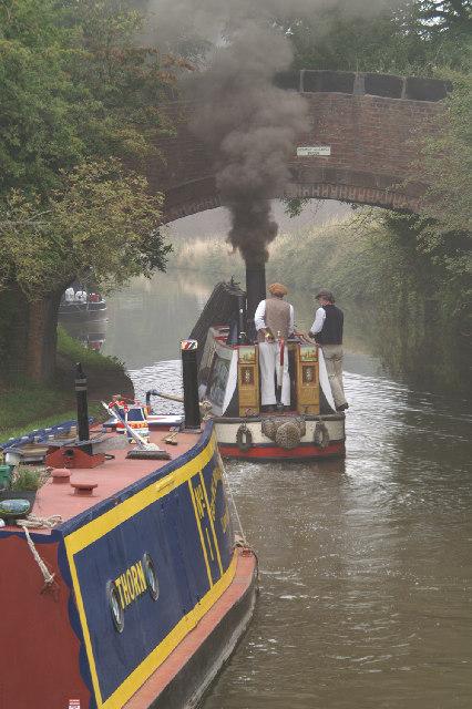 Steam narrow boat PRESIDENT, George Gleaves' Bridge