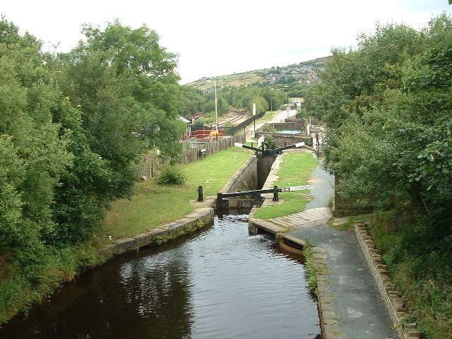 Huddersfield Canal, Marsden