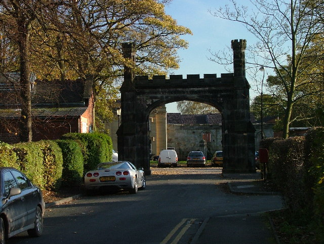 Stone gates in Starbeck.
