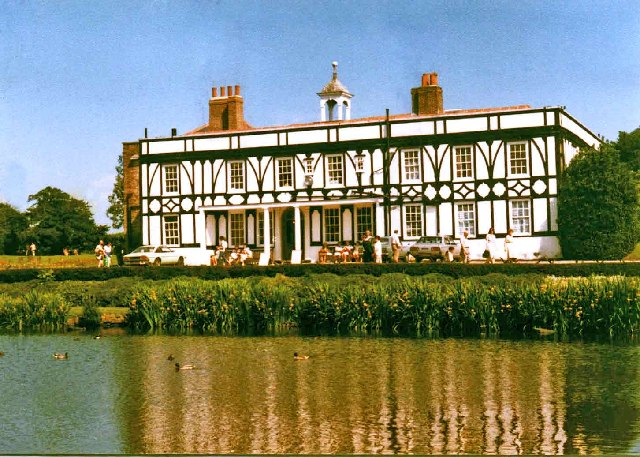 Broomfield House, Broomfield Park, Palmers Green, before the fires