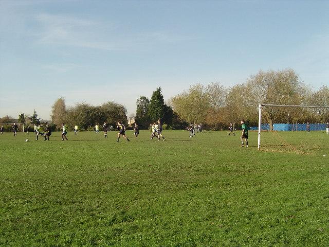Rayners Lane: Roxbourne Park