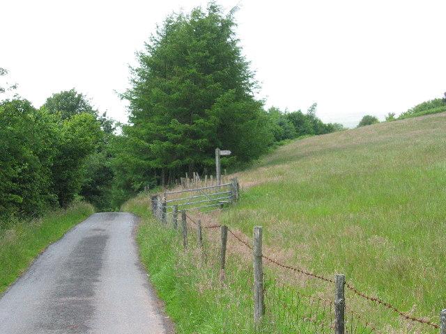 Signpost for bridleway near Blaen Nedd Isaf
