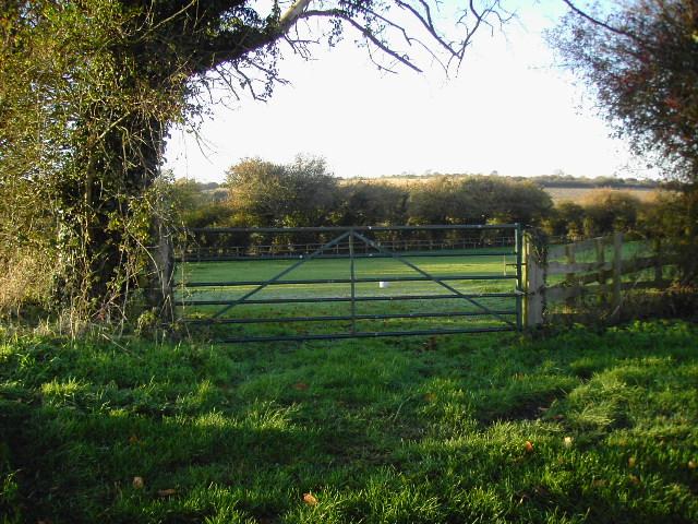 Farm gate opposite Wergs Farm