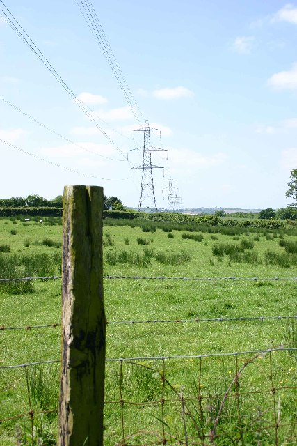 Pylons crossing Narracott Lane SW of South Molton