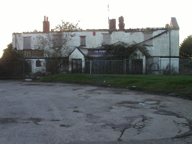 Derelict Prince of Wales pub, Challow Station