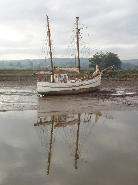 Boat and reflection, Turf, Exe Estuary